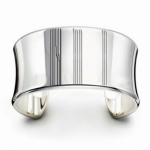 bracelet with graphic display (parallel lines)